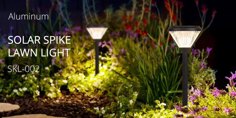 New arrival solar spike light for garden